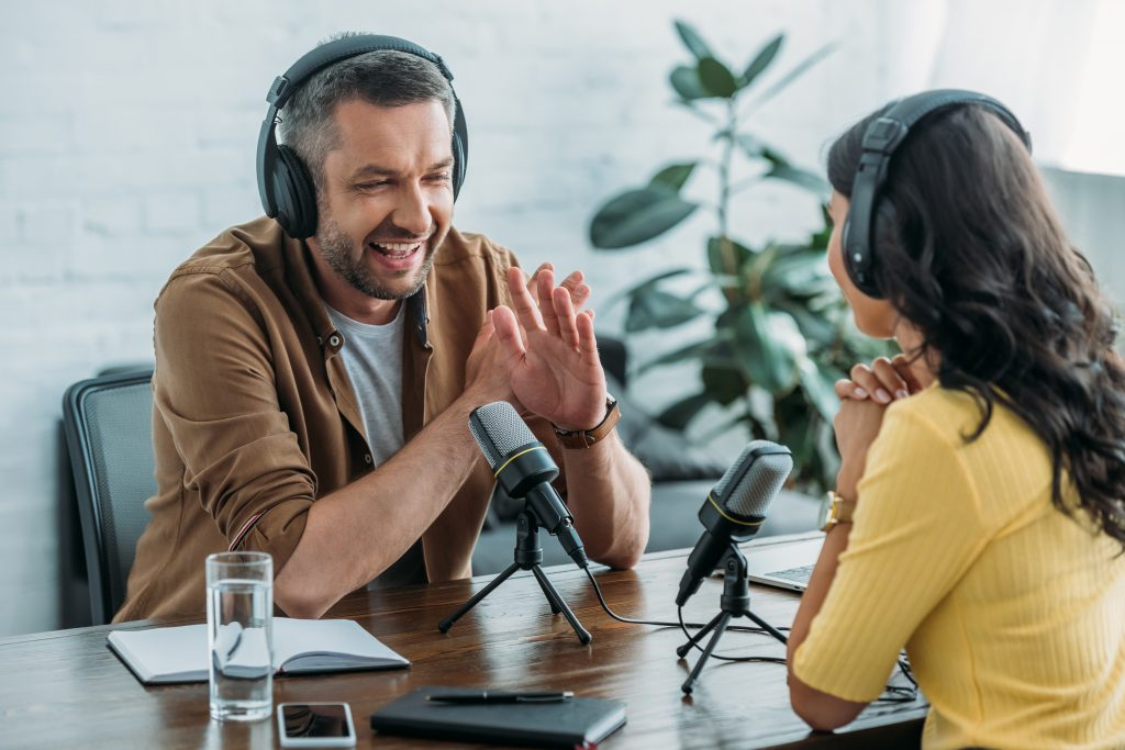 How to Pitch Podcasts Looking for Guests